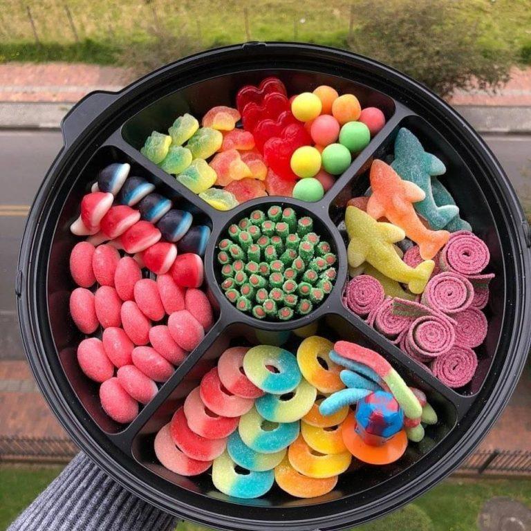 bandeja-de-dulces-D_NQ_NP_756019-MCO43351620347_092020-F